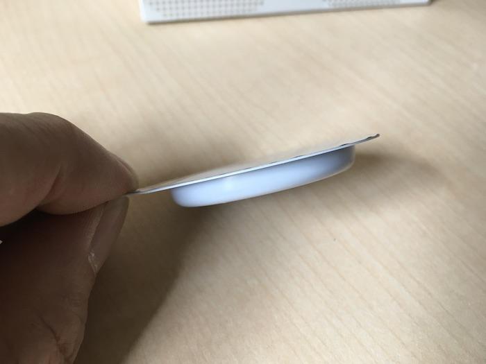 サガミオリジナル0.02mmのブリスターパックの薄さ