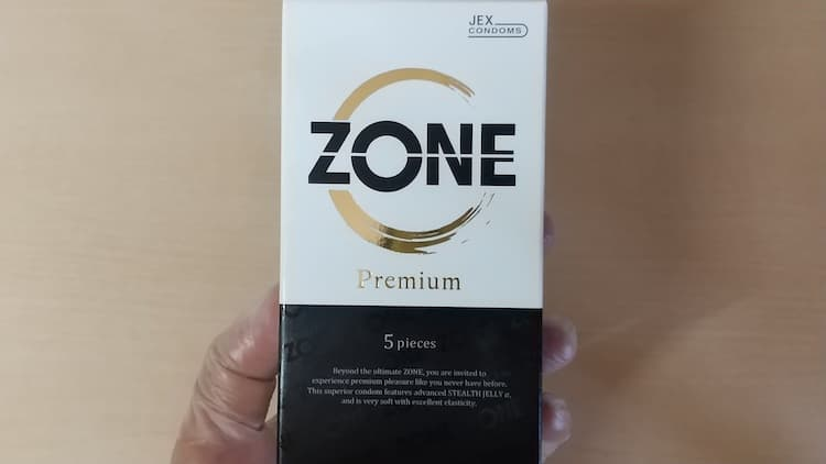 ZONEプレミアムのパッケージ表面